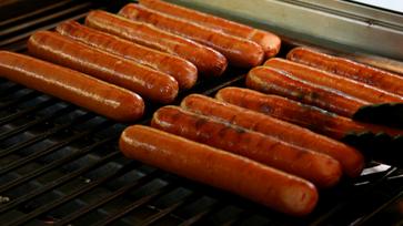 Hot Dog Wurst gegrillt