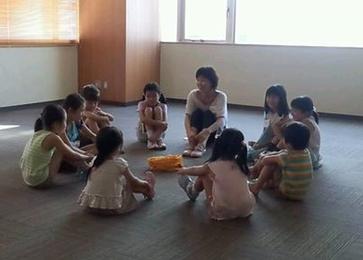 子ども・保育者・親子対象 / 表現遊びのワークショップ / 講師派遣