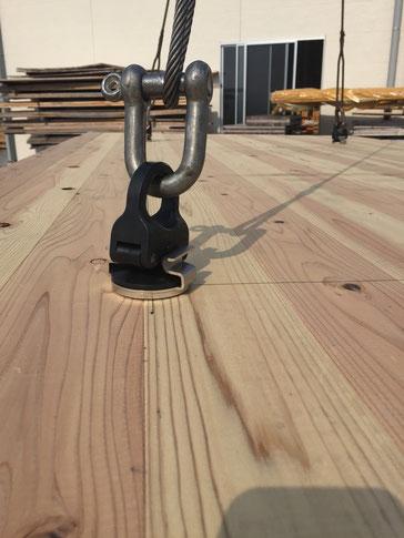 輸入品吊り金具(穴をあけワンタッチで取付取り外し可能)