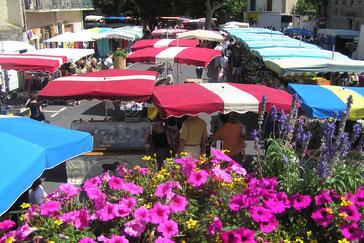 Marché du dimanche à Espéraza