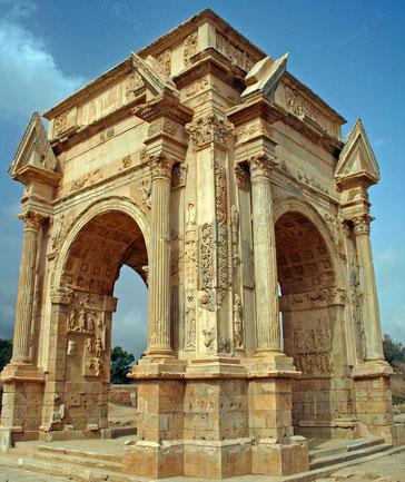世界遺産「レプティス・マグナの古代遺跡(リビア)」のセプティミウス・セウェルス凱旋門