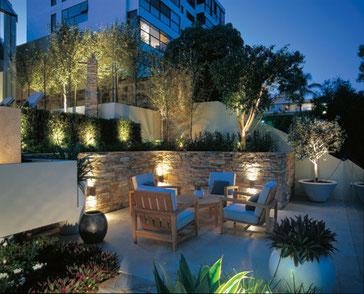 Illuminazione per giardino e viali cosa non deve mancare