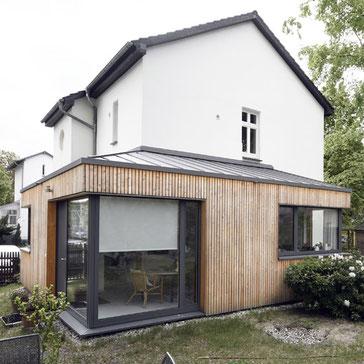 Holzfenster, Einbau von Maßschränken und einer Garderobe,Tischlerei, Fenster, Terrasse, Abschleifen, Reparatur und Neuversiegelung alter Landhausdielen und Holztreppen