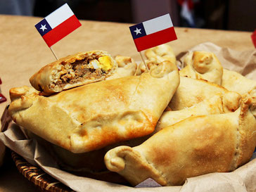 Spanish School Pucon offers empanada and wine tasting Spanish program