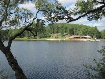 l'étang de Ruffaud et le restaurant