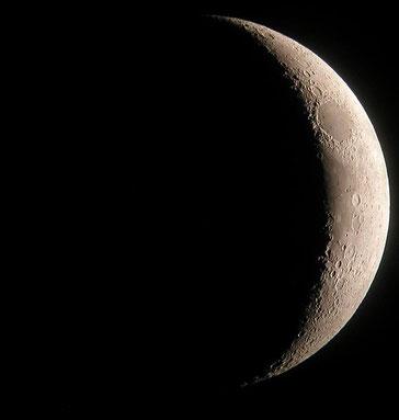 Hilal, die schmale Mondsichel