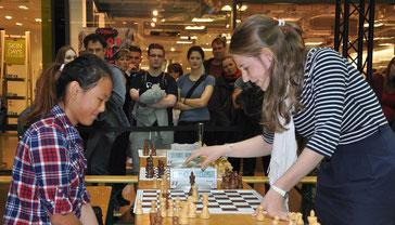 Schach im Centrum, Dresden, Melanie und Nikolas Lubbe