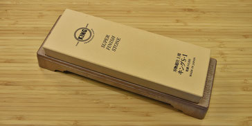 Japanischer Schärfstein 6000 auf Kunststofffuss