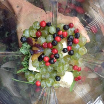 Herbst-Smoothie mit Weintrauben und Preiselbeeren