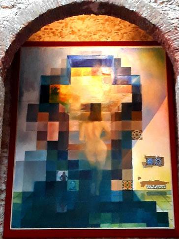 Самые известные картины Дали - обнаженная Гала, смотрящая на море