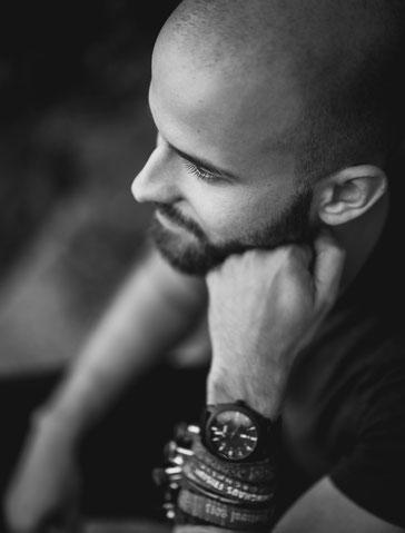 Authentisches Portrait vom Fotografen Sebastian Kirsch