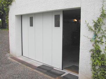 porte de garage sectionnelle à déplacement latéral