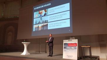 Frank Rebmann - Keynote Speaker, Vortragsredner, Buchautor - Vortrag Tschüss Veränderungsfrust. Wie wir uns und andere wirklich verändern.