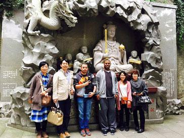 藤沢市辻堂の英会話教室、「ディディEnglish School」の、外国人観光客江の島案内イベント