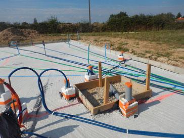 Pose de gaines électriques blindées contre les champs électriques et électromagnétiques