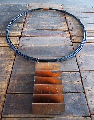 Untragbar, 2005, Stromkabel, Kupfer 175 x 125  cm