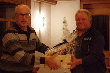 Amtsübergabe nach 32 Jahren: Klaus Schachtner dankt dem Vorgänger