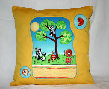 Kissenplatte Waschbär im Baum gelb
