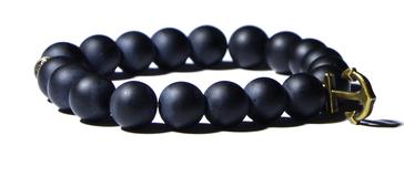 Bracelet noir et pendentif ancre