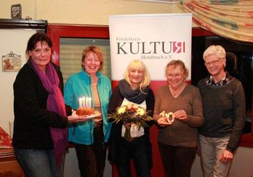 von li. Kerstin Schlappa-Phipps, Barbara West, Heide-Marie Nolte, Margret Glörfeld und Brigitte Pütter