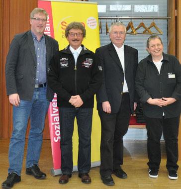 Auf dem Bild von links nach rechts: Jörg Wischermann (Vorstandsmitglied), Jonny Ryll (Sprecher der Revisionskommission), Helmut Uder (1. Vorsitzender), Christiana Leiß (2. Vorsitzende)