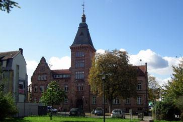 Rathausstraße 5, Rathaus, Dudweiler, Saarbrücken, Bj. 1875 Architekt Neufang, Etweiterung  1906 Architekt Heinrich Sturm