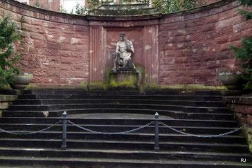 Kriegerdenkmal, Dudweiler, Saarbrücker Straße, Heinrich Ott, 1926, Kuhn