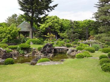 旧伊藤伝右衛門邸。ボランティアさんが、解説付きでお屋敷を案内してくださいました。