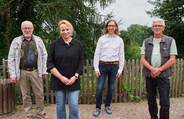 Die Vorsitzende Tanja Frischgesell mit den anwesenden Jubilaren Gerhard Hasse (30 Jahre), Torsten Maiwald (30 Jahre) und Wolfgang Koch (40 Jahre)