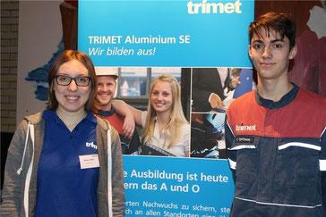 Melina Löhden und Clemens Hoffmann sind Auszubildende bei der Firma Trimet in Finkenwerder.
