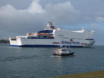MV Armorique (lancé en 2009) de la SOMAROP et exploité par Brittany Ferries au départ du port de Saint-Malo vers Portsmouth.