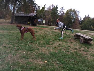 Fit mit Hund, Hundeschule Butzbach, Hundeschule, Fitness, Spass, Lauftreff, Lauftraining, Walken, Canicross,
