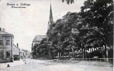 Das Gebäude des Vereins Kinderheim links vorne (1920)