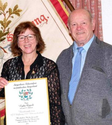 Goldener Ehrenkranz für Lydia Oppelt -GV Untereschenbach -2020