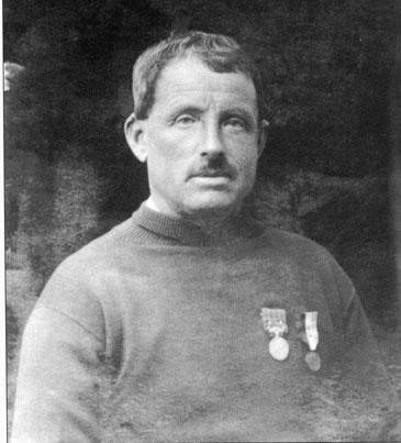 Vincent Rolland quelques années plus tard il est alors le patron du canot de sauvetage de Primel.