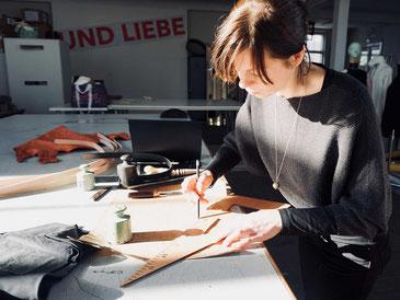 NOY designed alle Produkte in ihrem Atelier in Hamburg