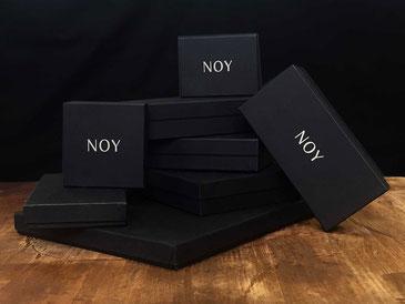 DIe Verpackungen von NOY werden in Deutschland hergestellt und sind aREACH-Konform