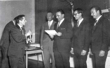 von links: Gauschützenmeister Max Max Krickl, Dr. Ludwig Götz, Gau-sportleiter Günter Pietruschka, Joachim Krug, Engelbert Bannwart