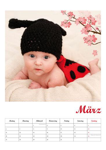 Fotokalender Neugeborenenshooting Babyfotos März