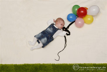Babyshooting zu Hause als Homeshooting mit Ballons