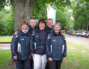 Freude bei den Damen von links: Sigrid Michna, Bertreuerin Jenifer Severloh, Andrea Reinicke, Nicole Warnecke, Birgit Stiebeling