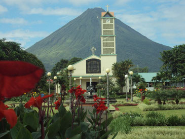 Arenal Volcano from La Fortuna Park