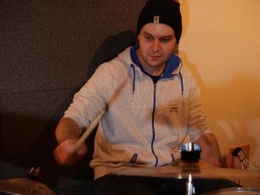 Reto Stutz Schlagzeuglehrer Time to Groove Hallwil