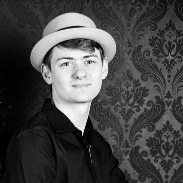 Michael Büchi Inhaber der Time to Groove Schlagzeugschule Hallwil