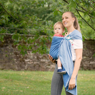 The classical hip carrier - the Ring Sling.