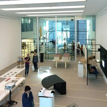 Soleil politique.  Il museo tra luce e ombra, MUSEION, Bozen, 27.9.2014-11.1.2015