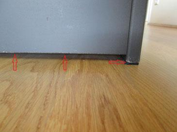Stoßverletzungen entstehen meist im unteren Bereich eines Sofas
