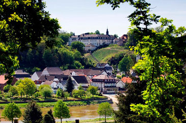Abtei vom Heiligen Kreuz in Beverungen-Herstelle © F. Grawe