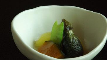 真の日本料理「美菜ガルテンふるかわ」夏野菜の炊き合せ