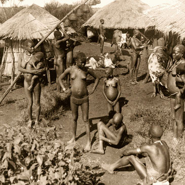 Tribù Kavirondo - Villagggio vicino al  Lago Vittoria, Kenya